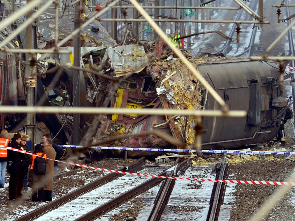 """Netflix apparently used footage of a real train crash in their new movie """"Death Note"""""""