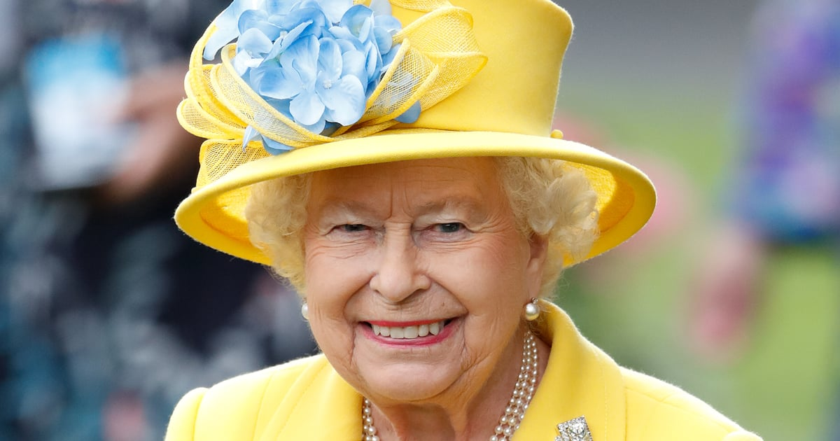 the-way-queen-elizabeth-chooses-her-outfits-every-day-is-absolutely-fascinating