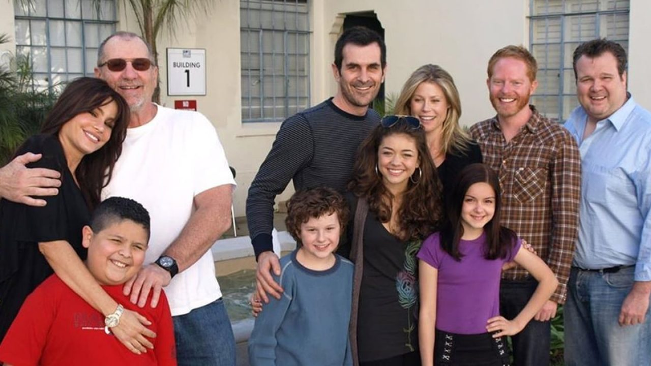 A Modern Family aw! the modern family twist re-create their very first table