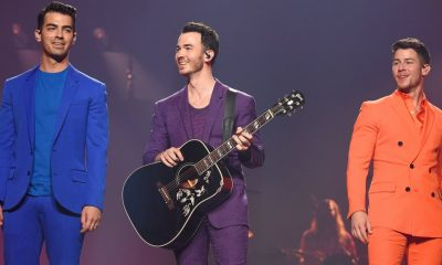 these-photographs-from-the-jonas-brothers8217-opening-night-on-tour-will-bring-you-pure-happiness