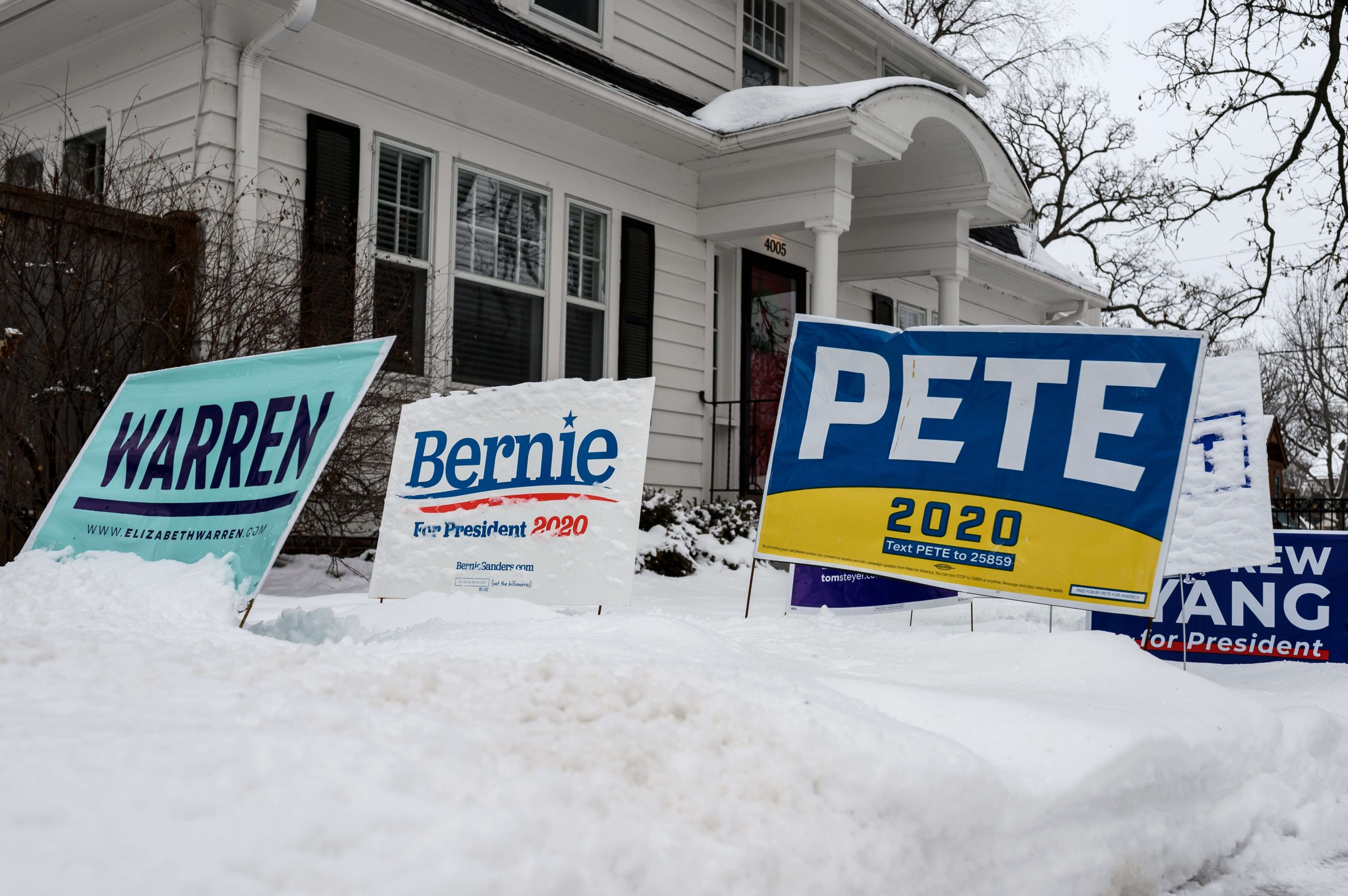 Sanders Leads At 28 Percent In Iowa Ahead Of Caucuses