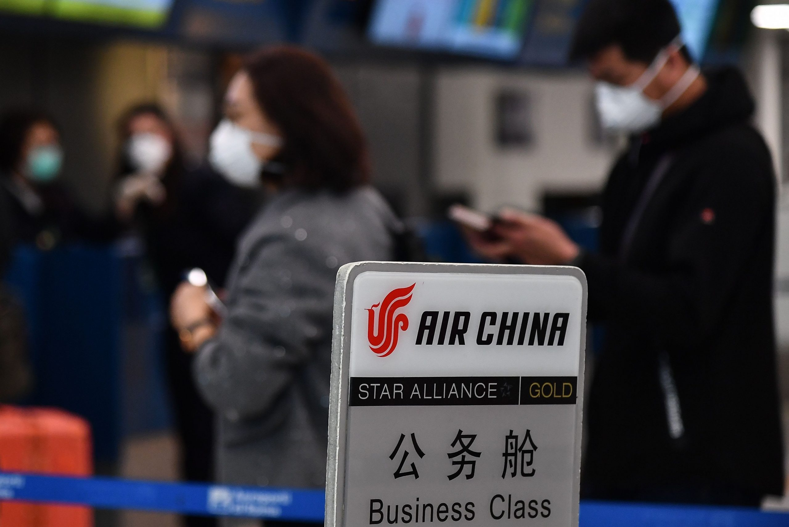Coronavirus: China's airlines told not to axe global flights as thousands cut