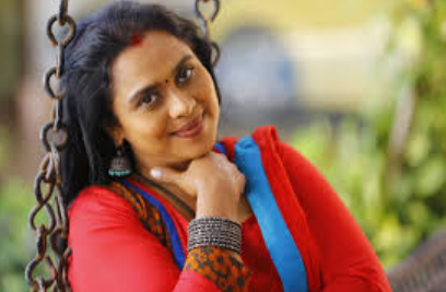 Viji Chandrasekhar in queen