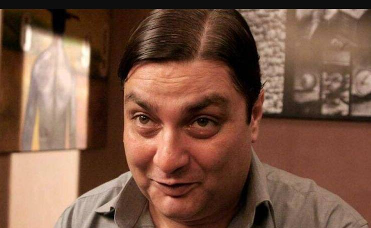 Vinay Pathak as Landlord