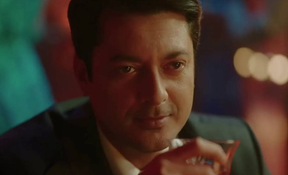 Jisshu Sengupta as Paritosh Banerji