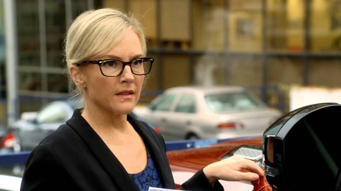 Rachael Harris as Linda Martin